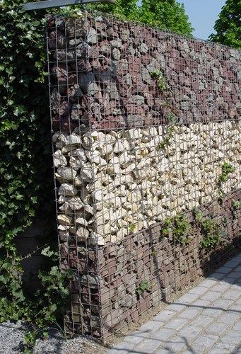 Gabion retaining wall green w